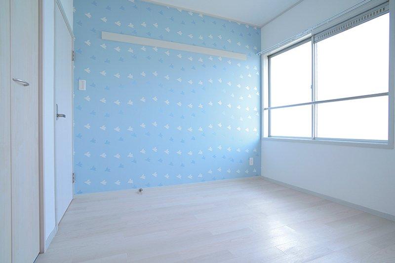 北側のお部屋は空と鳥の部屋