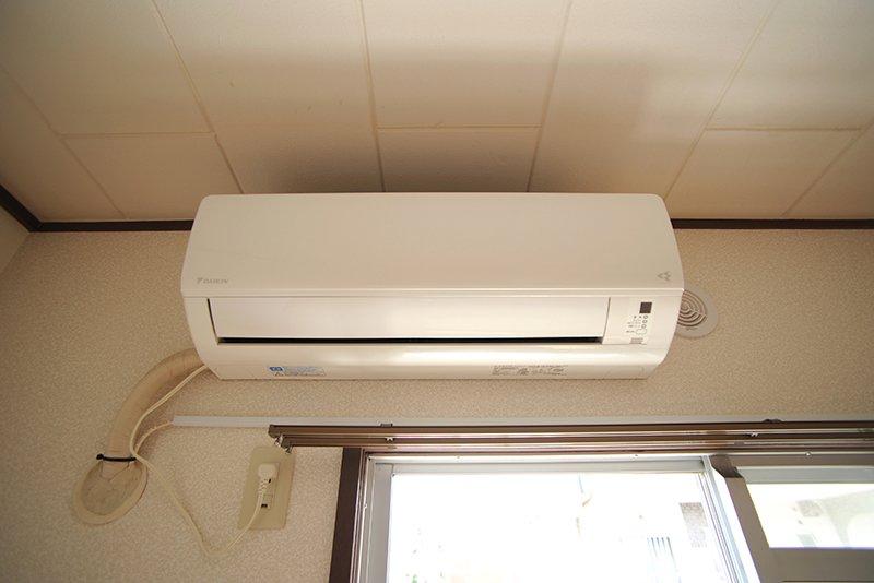 新品のエアコンが設置済み!