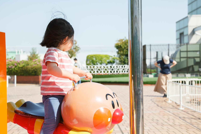 乗り物はどれも100円~300円くらいで乗ることができます。どれも小さな子どもでも安心して乗ることができる乗り物なので、安心して遊ばせてあげられます。