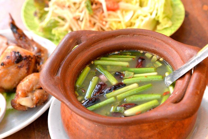 タイの雰囲気をたっぷりと味わえるスープ