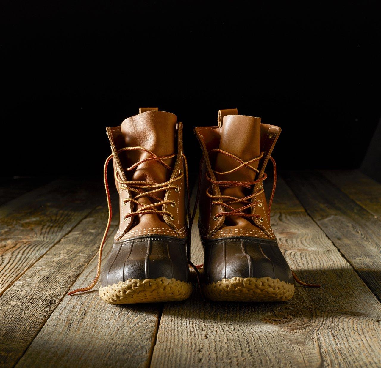 レザーのアッパーにゴムのソールを縫い付けたビーン・ブーツが創業のきっかけとなったアイテム