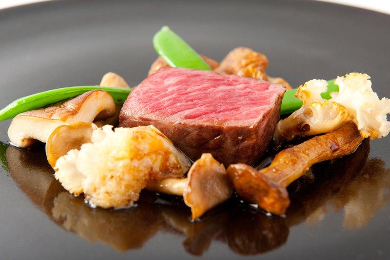 日本各地より選りすぐりのお肉料理