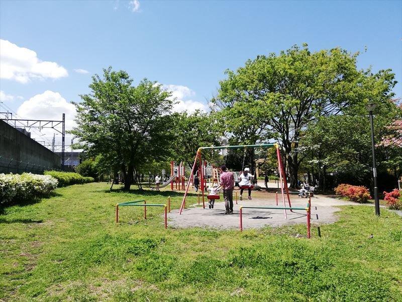 子ども連れに人気の「五反野コミュニティ公園」