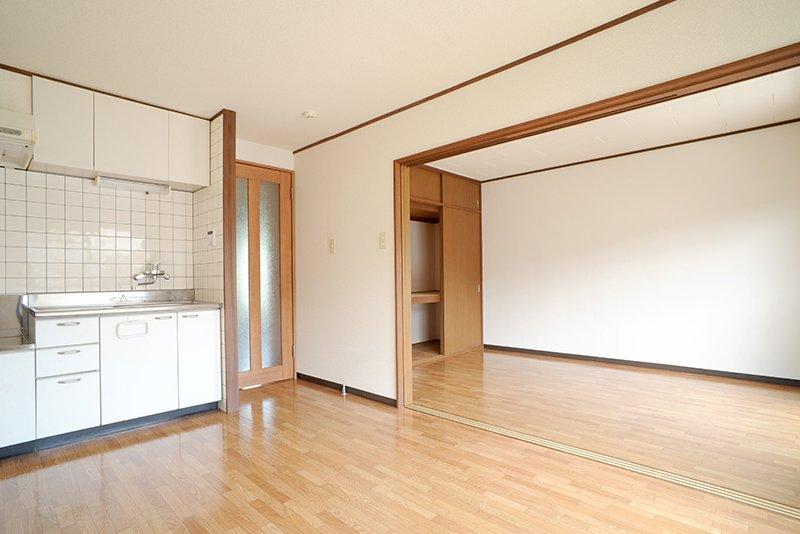洋室と接続可能なリビングルーム