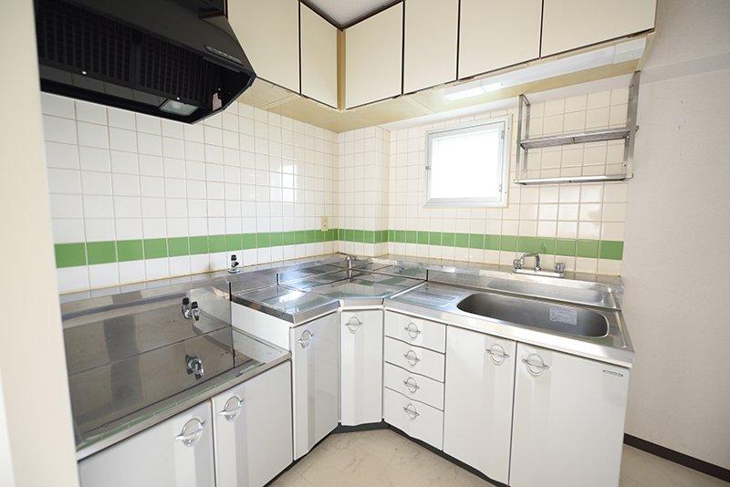角を有効に使えるキッチンが使いやすそう