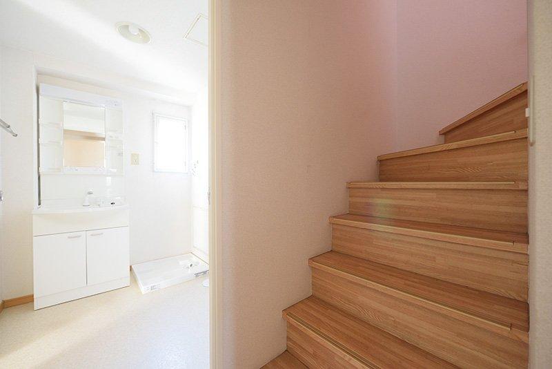 階段まわりのデザインも素敵