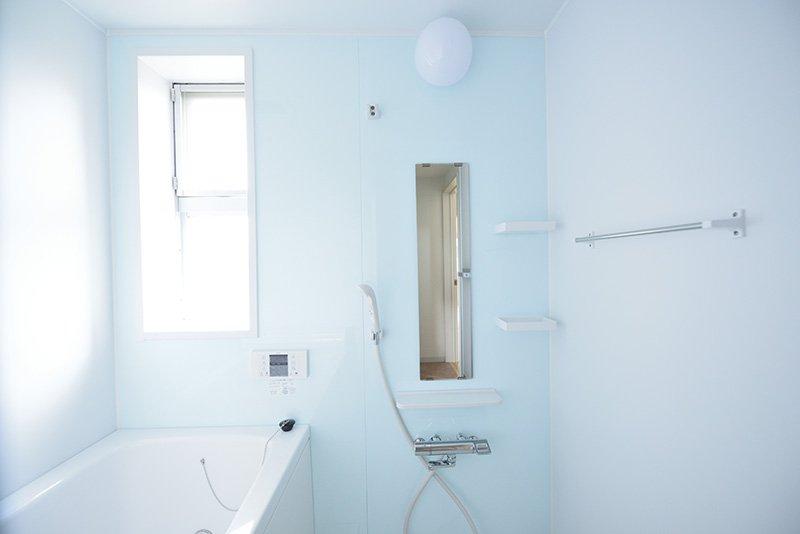 さわやかな新品バスルーム