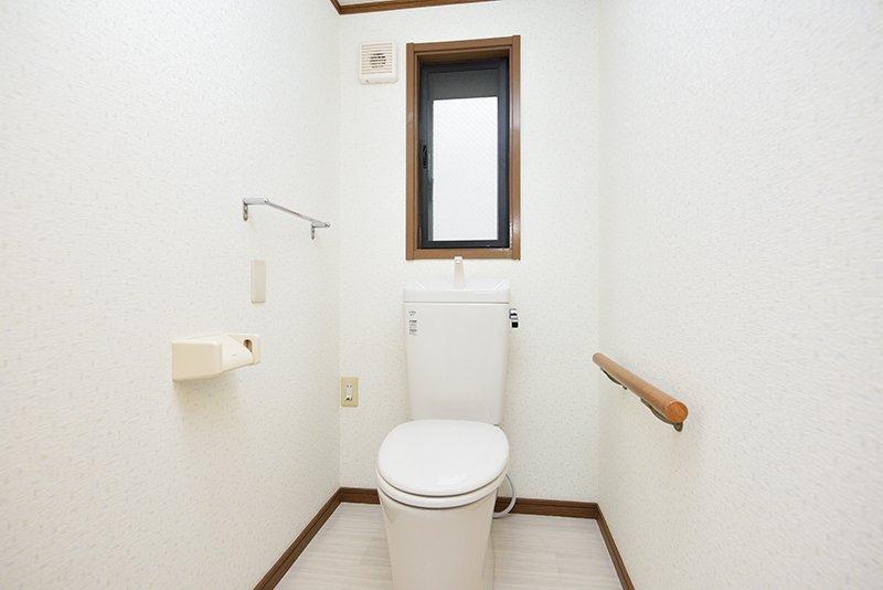トイレは1階と2階にそれぞれ設置されている