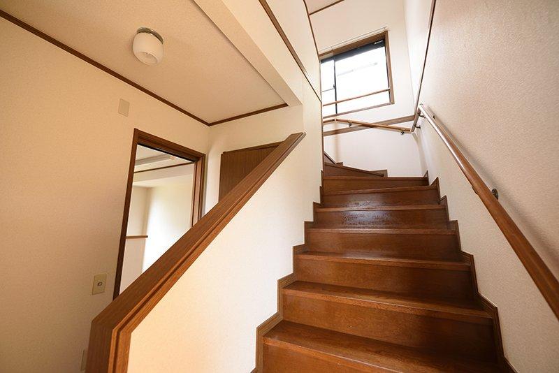 階段を上がってみましょう