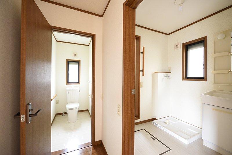 バスルームと第2トイレ