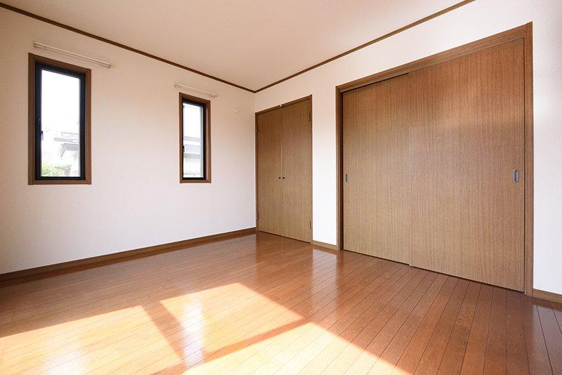 きれいで明るい洋室