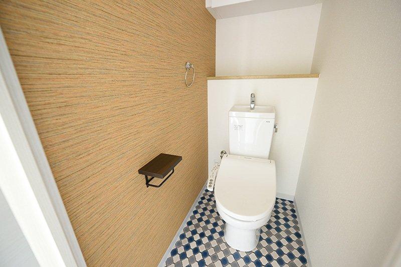 トイレは温水洗浄機能付き