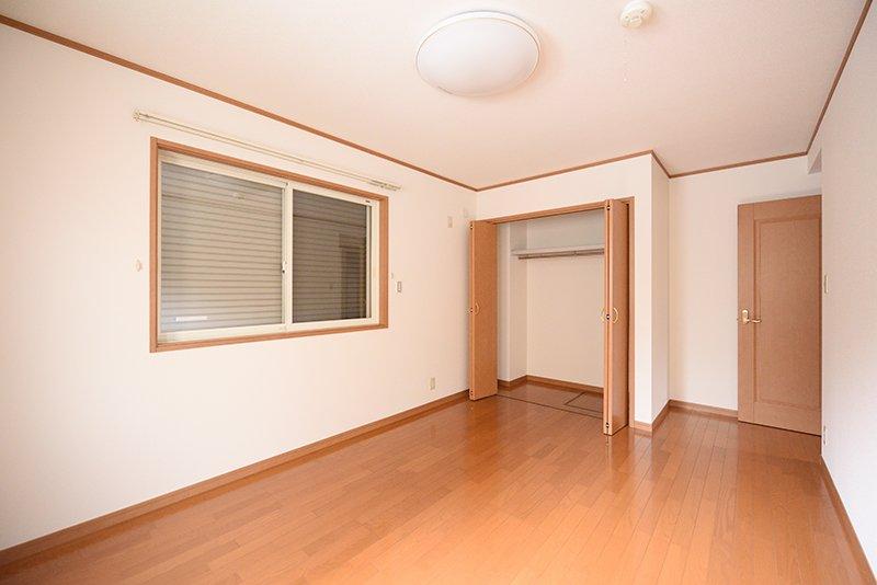 1階8帖洋室