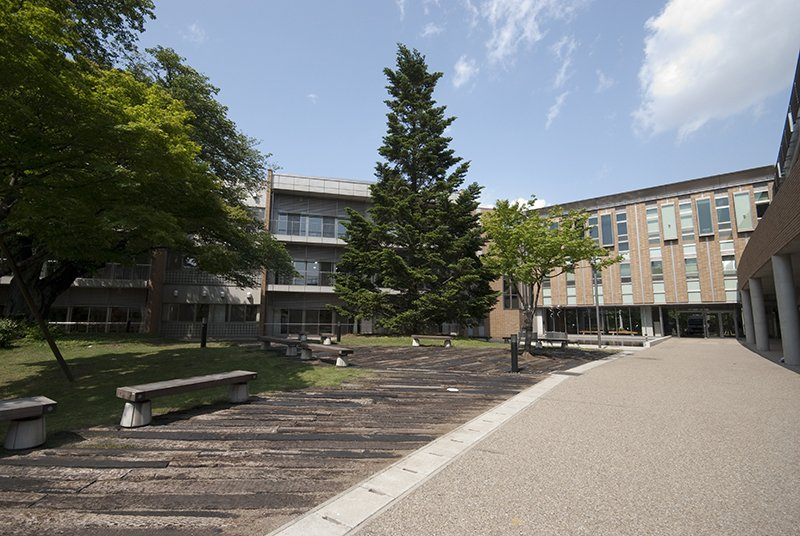 法政大学中学高等学校