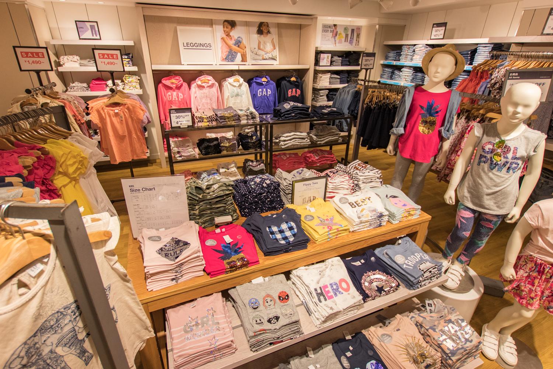 吉祥寺には、3つのファッションブランドが揃っているので、常に流行を追い続けられます。子どもだけでなく、親も自分の買い物ができるから嬉しいですよね。