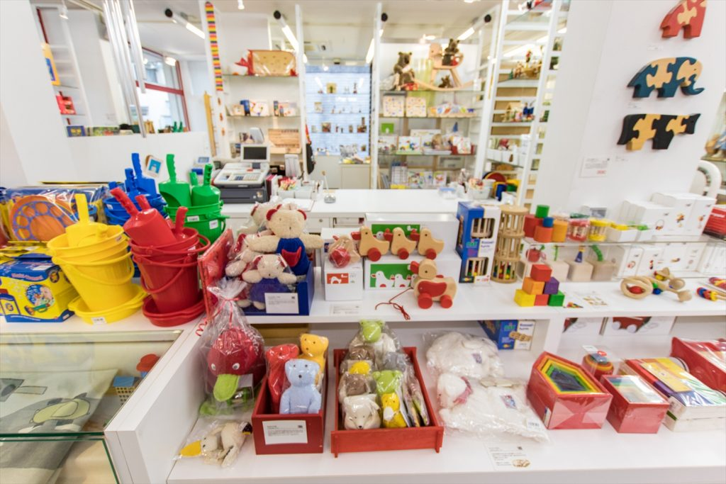 子どもが一生使える本物志向の玩具だけが揃うセレクトショップ!