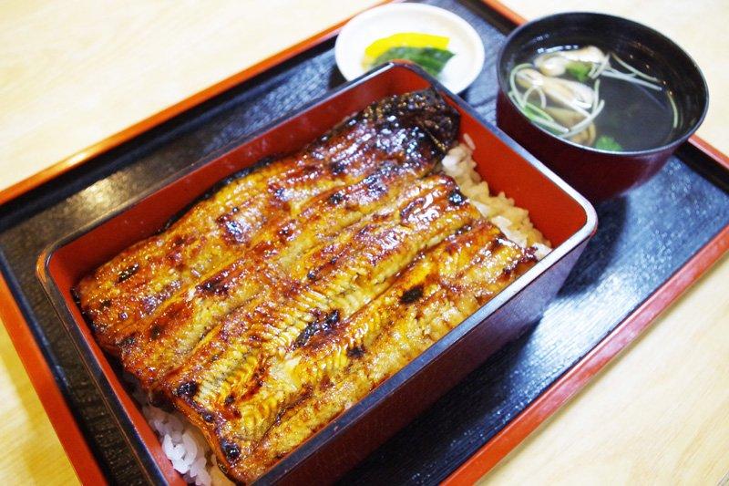 程よい甘みのタレが絡んだ、ふっくらと柔らかい肉厚な鰻は絶品