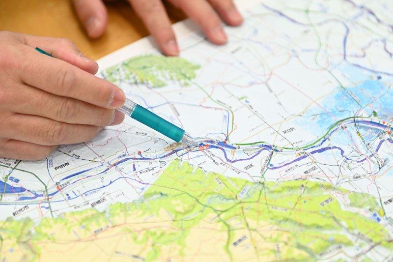 実際の地形に近い凹凸のある地図で丁寧に説明してくださった