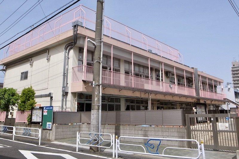 徒歩3分で送り迎えしやすい「松江おひさま保育園」