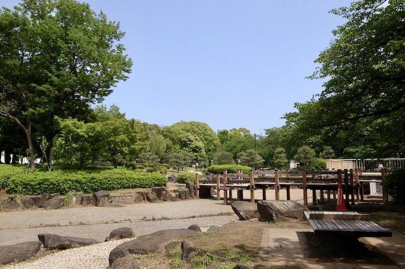 緑豊かな「亀戸中央公園(約4,100m)」